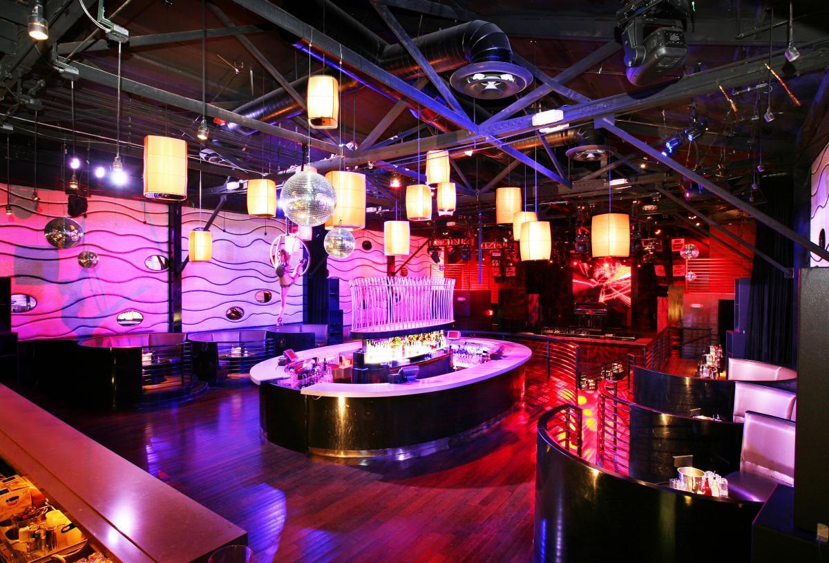 Klub Malam Playhouse